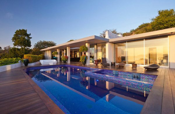 Jendretzki-Beverly-Hills-House-New-York-Design-Agenda  From Mid-Century to a Modern House in Beverly Hills Jendretzki Beverly Hills House 2 600x399 600x390