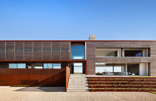 sagaponack-new-york-design-agenda  Modern dream home embraced by natural water sources in NYC sagaponack new york design agenda