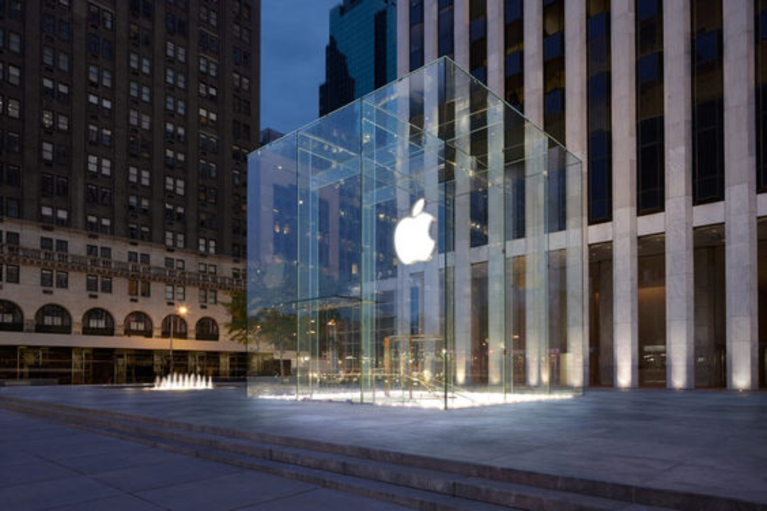 Apple_5th_Avenue  Top 7 Best New Architecture in New York City Apple 5th Avenue