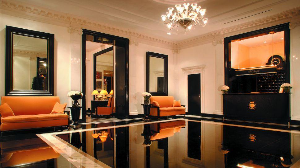 000312-01-lobby-black-orange  ROSEWOOD Hotels: Luxury Hotel in New York City 000312 01 lobby black orange