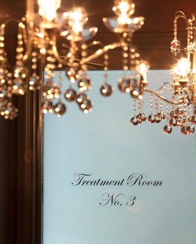 11d70f05800511751cb90b91f7f2daee  ROSEWOOD Hotels: Luxury Hotel in New York City 11d70f05800511751cb90b91f7f2daee