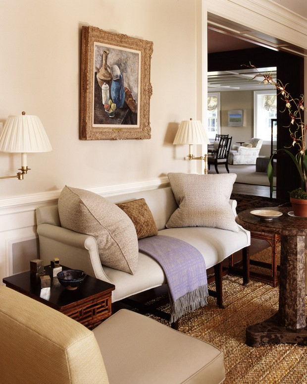 Top Interior Designer NY: Bilhuber Associates bilhuber associates Top Interior Designer NY: Bilhuber Associates 04 Throughout this residence the paintings come to the foreground and the rooms recede into the background