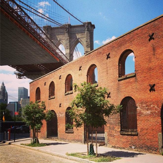 empire-stores-dumbo-coffee-warehouse-brooklyn-bridge-nyc